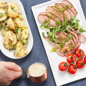 Catering-vårbuffé-paris-Lammrostbiff-med-örter-från-Provence